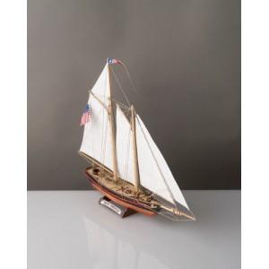 Corel SM102 Corelline Yacht America kit 1:155
