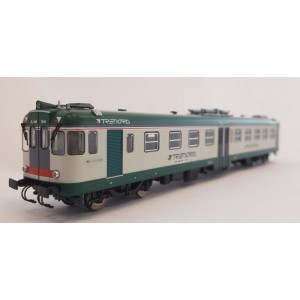 Vitrains 2228 Aln 668 .1844 livery TRENORD - green door