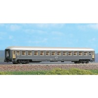 Acme 16110 Carrozza Fs UIC X carenata di 2°classe (N-1:160)